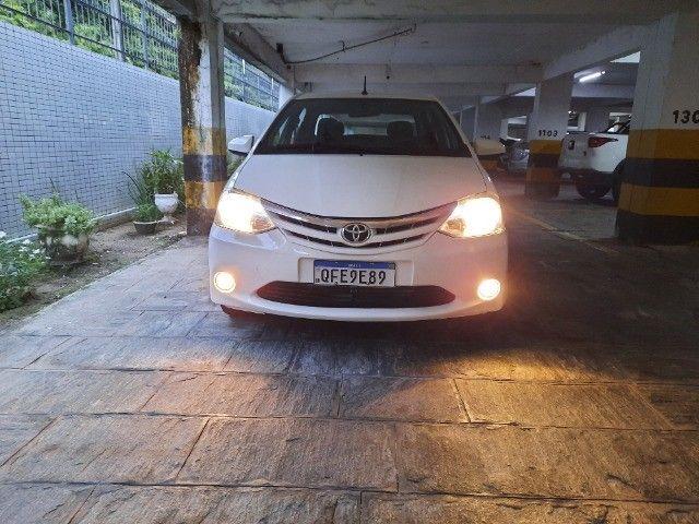 Etios Sedan XLS 1.5 2014 - Foto 20