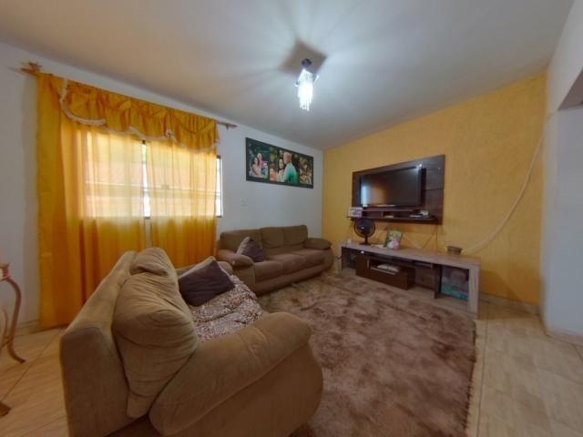 Casa à venda com 3 dormitórios cod:40059