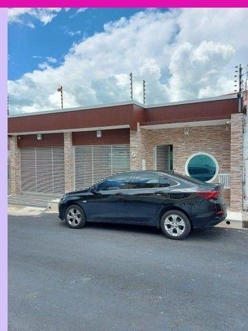 Proximo da av das Torres Casa com 4 Dormitórios Conjunto águas Cl