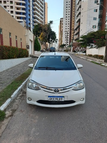 Etios Sedan XLS 1.5 2014 - Foto 3
