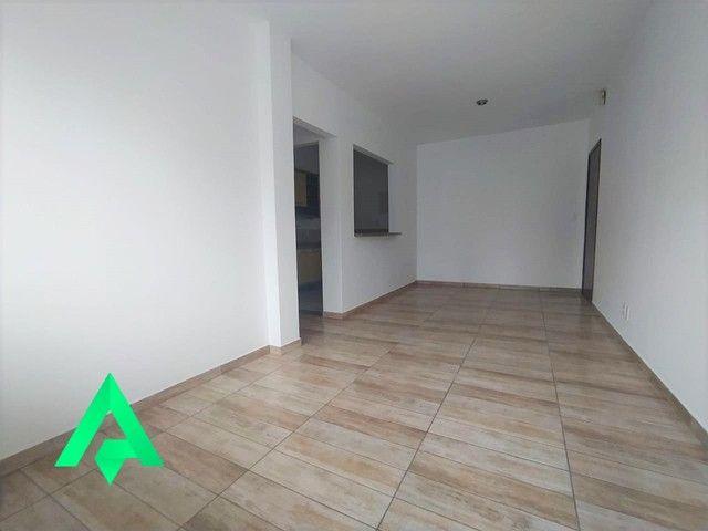 Lindo apartamento, no Bairro Vila Nova!