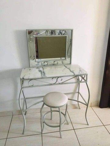 Penteadeira de mármore branco
