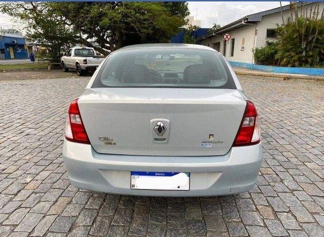 Clio Sedan Authentique 1.0 16 válvulas - Foto 2