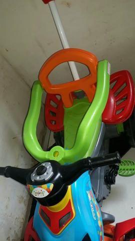 Carrinho de pedal para crianças