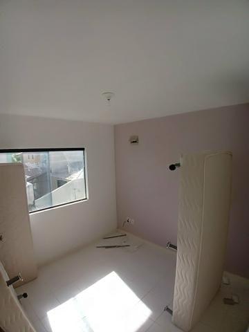 Linda casa de condomínio possuindo 5/4 5 quartos stella maris
