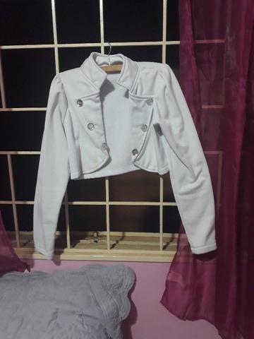 Jaqueta branca curta tamanho M