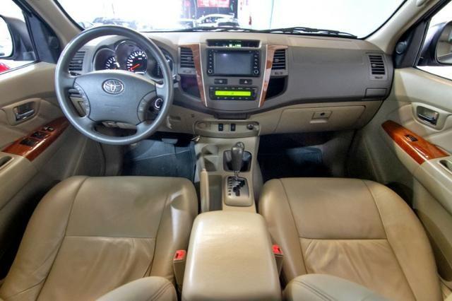 Hilux SW4 4x4 3.0SRV Diesel Aut*2011/2011/Placa A - Foto 9