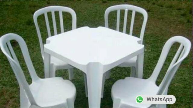Aluguel de mesa e cadeira plástico