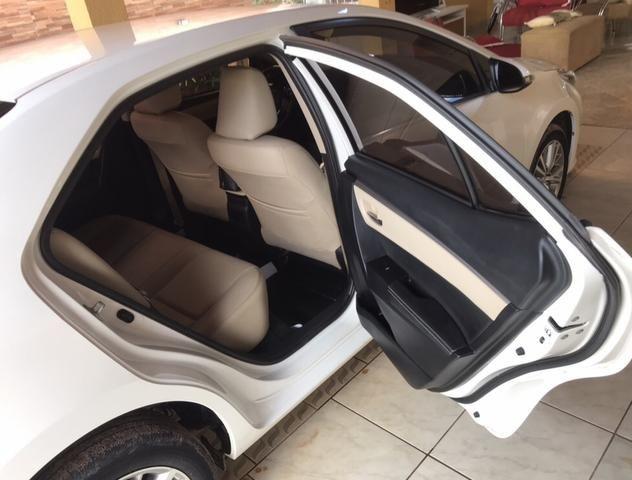 Vende-Se Corolla Altis 16/17 2.0 automático, - Foto 13