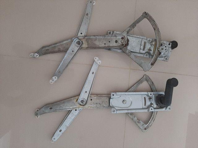 Elevador de vidro manual corsa classic 2011 - Foto 4