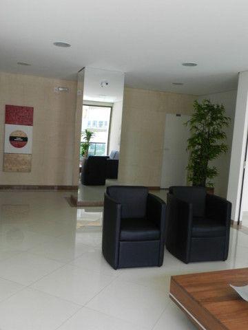 Apartamento de 4 dormitórios( 1 suíte com terraço ), mobiliado, com 2 vagas de garagem - Foto 3