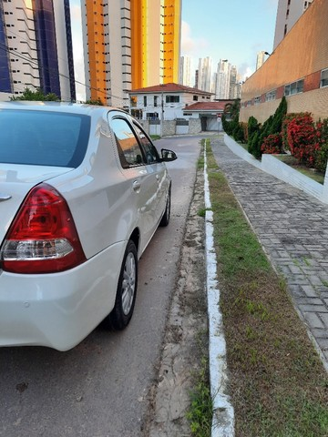 Etios Sedan XLS 1.5 2014 - Foto 9