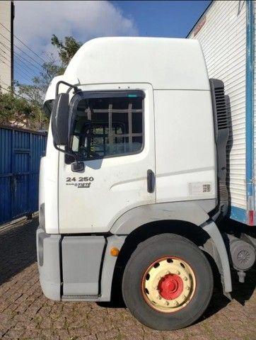 Caminhão VW 24450 6x2 Truck com baú 10,50 m #Entrada R$10.196,00 #Parcela R$2.393,00 - Foto 5