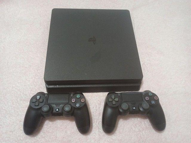 PS4 1TB +CONTROLES E BASE DE RESFRIAMENTO - Foto 3