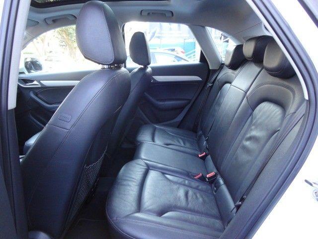 Audi Q3 2.0 Ambiente Quattro + Teto Panorâmico  - Foto 11