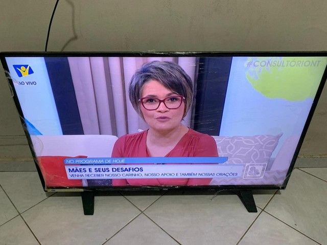 Tv AOC led 40 polegadas semi nova porém já está fora da garantia - Foto 2