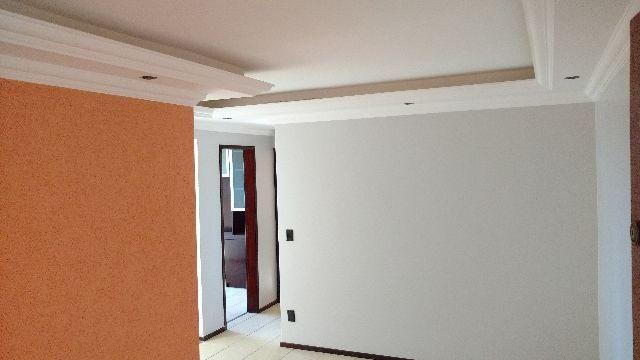 Apartamento - 2 qtos elevador e garagem
