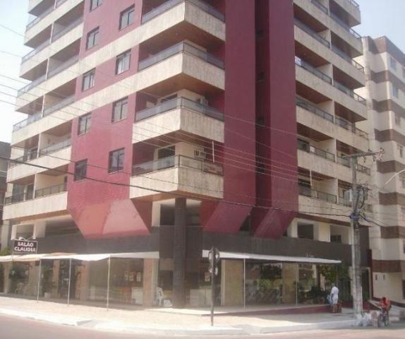 Código 6326- Apartamento na praia do morro, com vista, garagem, wi-fi, mobília etc