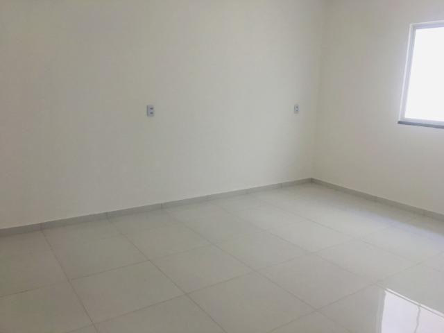 Linda casa no porcelanato , 2 quartos 2 suites , fino acabamento ,sala e quartos espaçosos - Foto 7