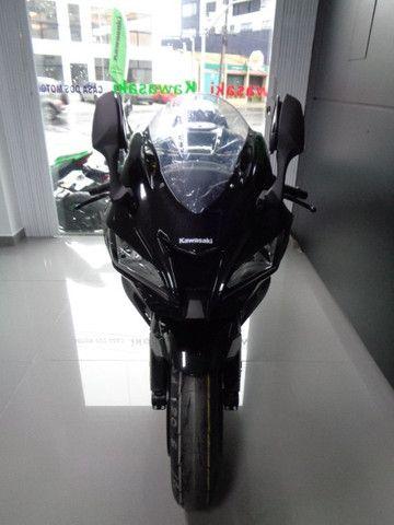 Kawasaki ZX-10R Preta 2020 - Foto 4