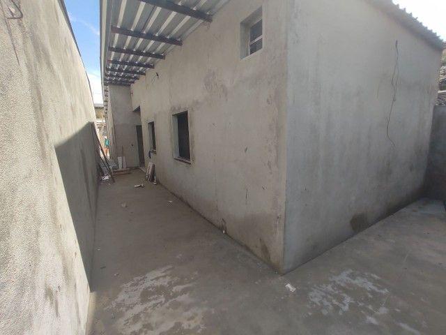 Casa na Redenção, 3 quartos com closet, 2 vagas de garagem  - Foto 2