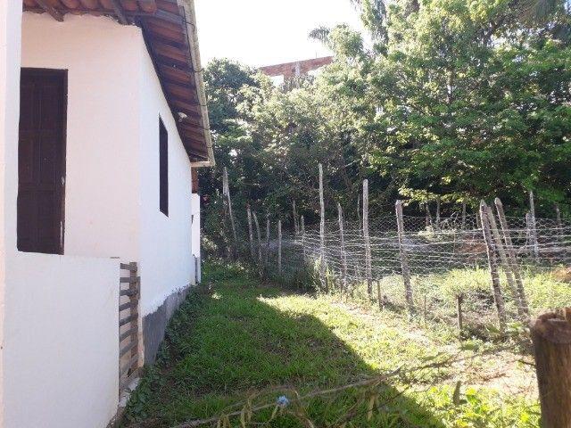 Alugo casa com varandas e quintal - Foto 3