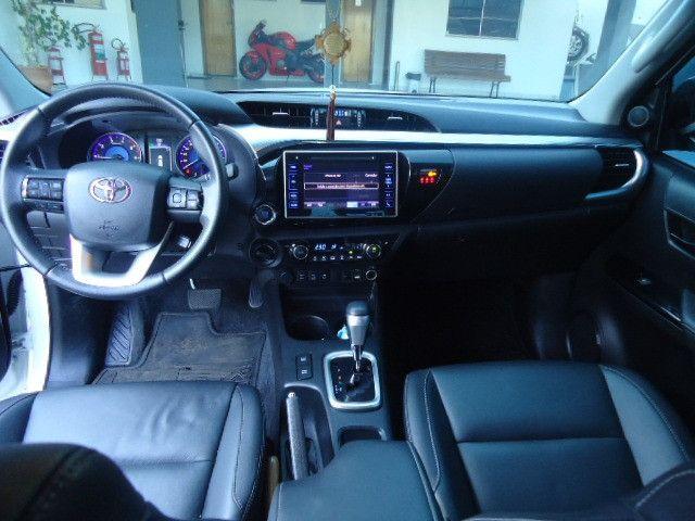 Toyota hilux caminhonete 2.8 srx 4x4 diesel cabine dupla automático 2018 - Foto 7
