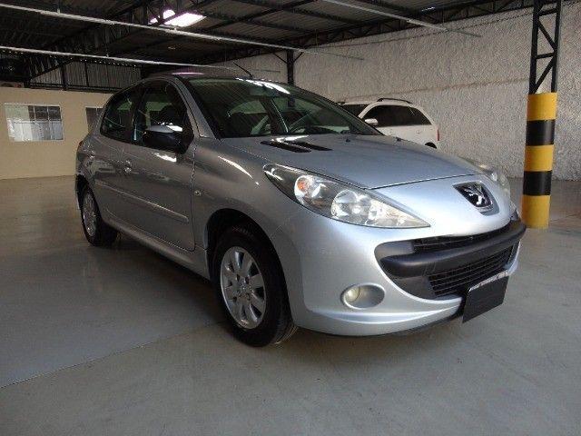Peugeot  207 XR Sport 1.4 * Flex* Ar Condic.* Dir. Hidr. * Cj. Eletrico* Rodas - Foto 4