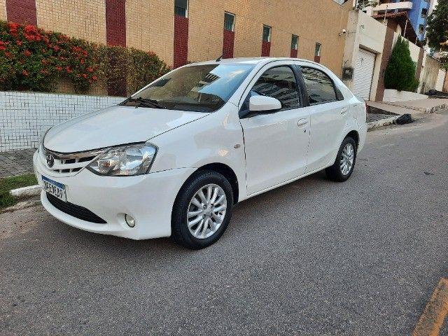 Etios Sedan XLS 1.5 2014 - Foto 2