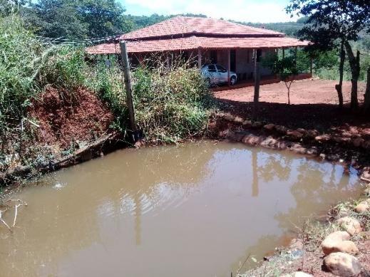 Sitio com casa colonial novinha
