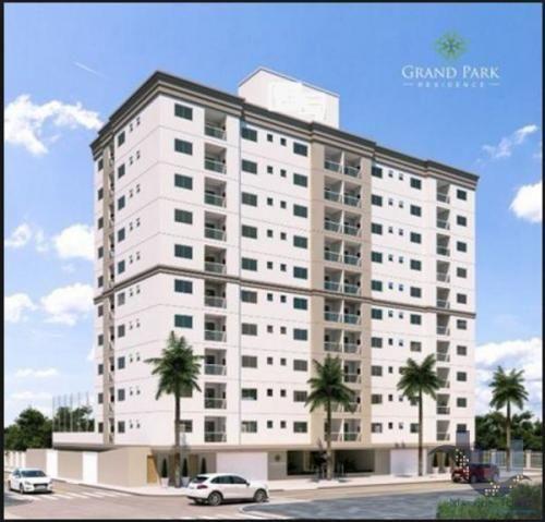 Apartamento bem localizado, com 2 dormitórios, 1 vaga de garagem, em Meia Praia, Itapema
