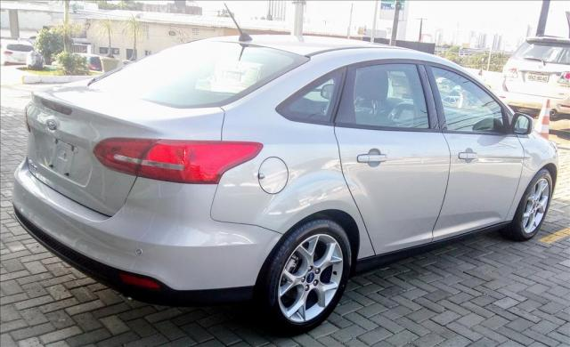 FORD FOCUS 2.0 SE FASTBACK 16V FLEX 4P POWERSHIFT - Foto 4