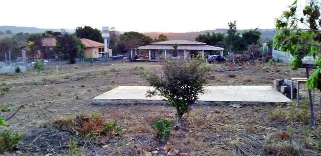 Chácara com casa sede, árvores frutíferas, 2.500m², 40 minutos de Taguatinga! - Foto 2