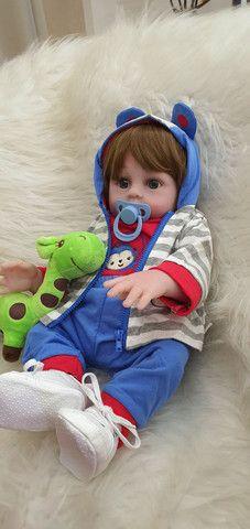 Lindo bebê reborn menino siliconado com enxoval luxo.  - Foto 5