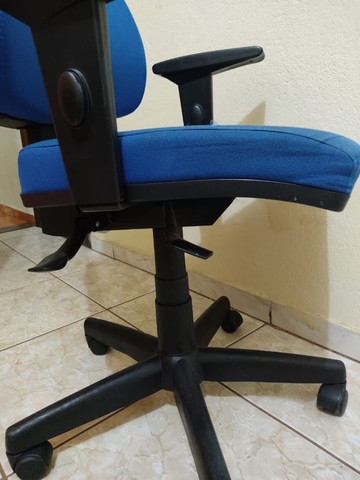 Cadeira giratória escritório home office - Foto 4