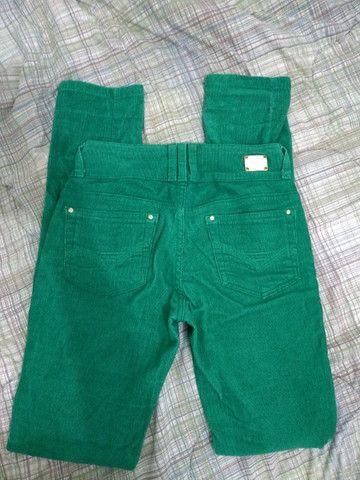 Calça veludo verde 34 - Foto 2