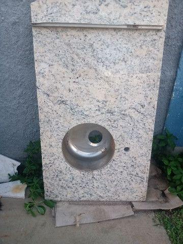 Pia com pedra de granito
