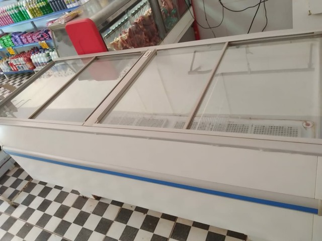 Vendo Freezer Ilha GELOPAR 520L - Foto 4