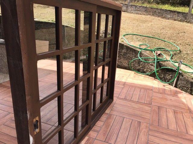 Janela de madeira imbuia  - Foto 3