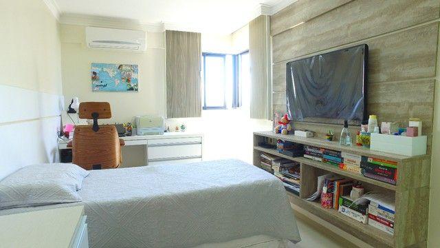 Apartamento beira mar com 195 metros quadrados com 4 suítes em Pajuçara - Maceió - AL - Foto 17