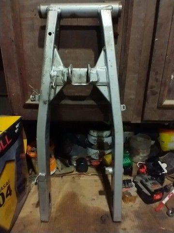 Balança quadro elastico Bros 160 freio tambor original 2015 - Foto 2