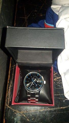 Vendo relógio tecnos original com caixa e garantia
