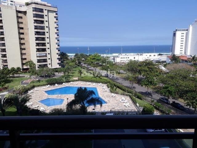 e169604eda Apartamento para alugar na Avenida Lucio Costa - Praia da Barra da Tijuca