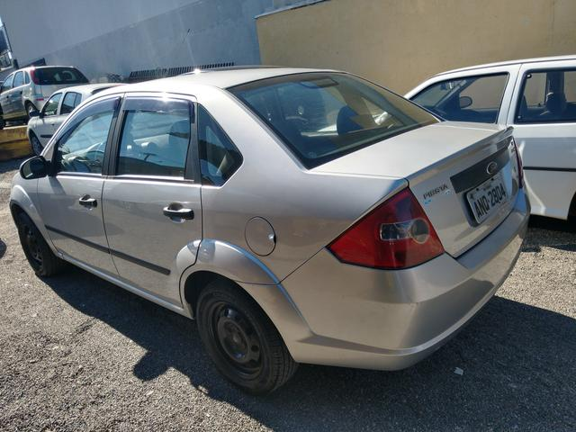 Ford Fiesta sedan 1.6 2006 Flex 13.500 - Foto 2