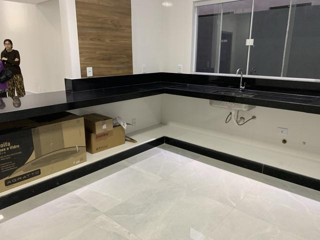 Jander Bons Negócios vende casa de 3 suítes no CABV, aceita financiamento - Foto 4