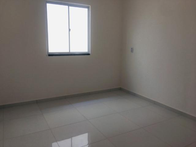 Linda casa no porcelanato , 2 quartos 2 suites , fino acabamento ,sala e quartos espaçosos - Foto 8