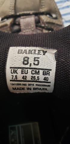 Tênis OAKLEY usado - Foto 5