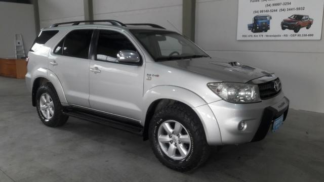 Hilux sw4 srv d 4d 3.0 4x4 diesel 7 lugares valor: 92.000,00