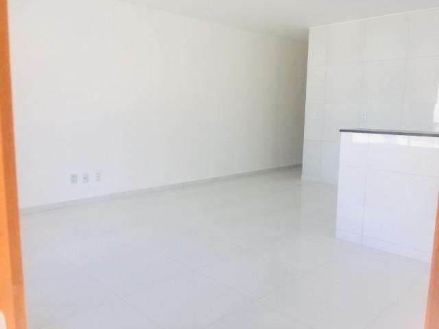 Linda casa no porcelanato , 2 quartos 2 suites , fino acabamento ,sala e quartos espaçosos - Foto 4
