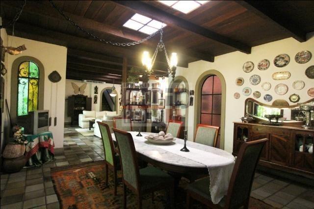 [A807] Casa com 5 quartos, sala para 4 ambientes, 361 m² de área construída - Foto 14